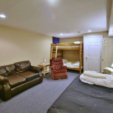 148 Campbell Crescent The Blue-small-045-29-Family Room-666x444-72dpi